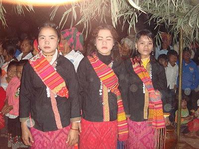Đêm tình nhân của người Ma Coong