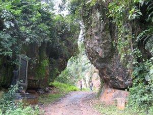Di tích Cổng Trời - Minh Hóa Quảng Bình