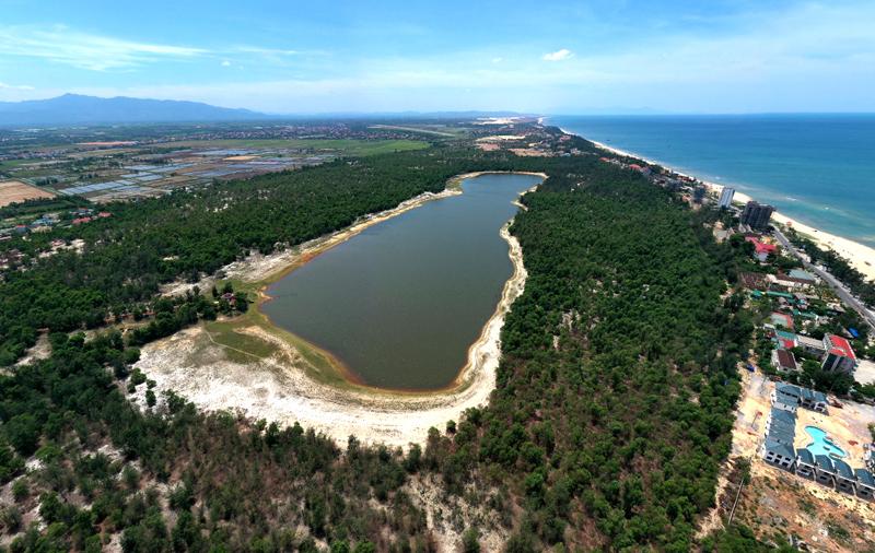 Hồ nước ngọt Bàu Tró tại Đồng Hới