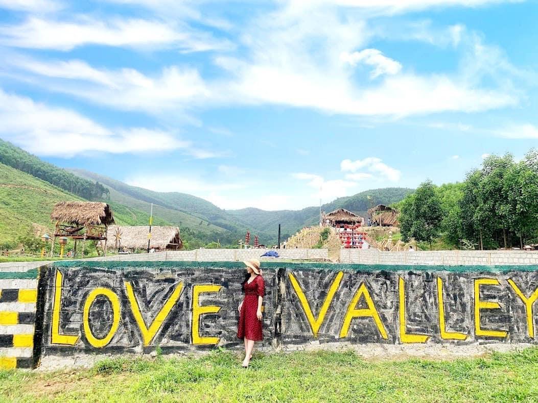 Love Valley - Thung lũng tình yêu ở Quảng Bình