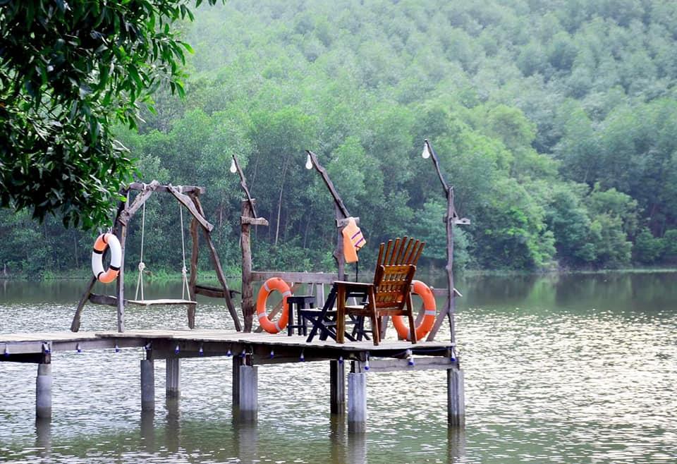 Ồ Ồ Lake Silence
